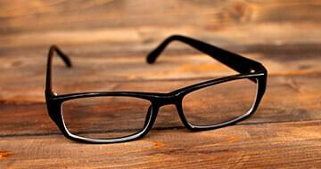 Image displaying a pair of looking glasses to represent the company Warby Parker
