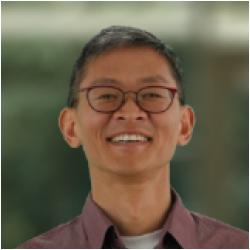 Faculty Member Thomas Lee